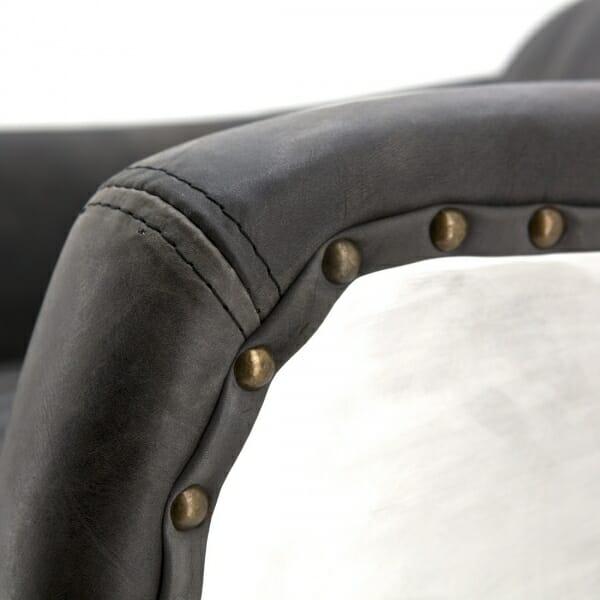 Industriële-zwarte-fauteuil-leer-detail